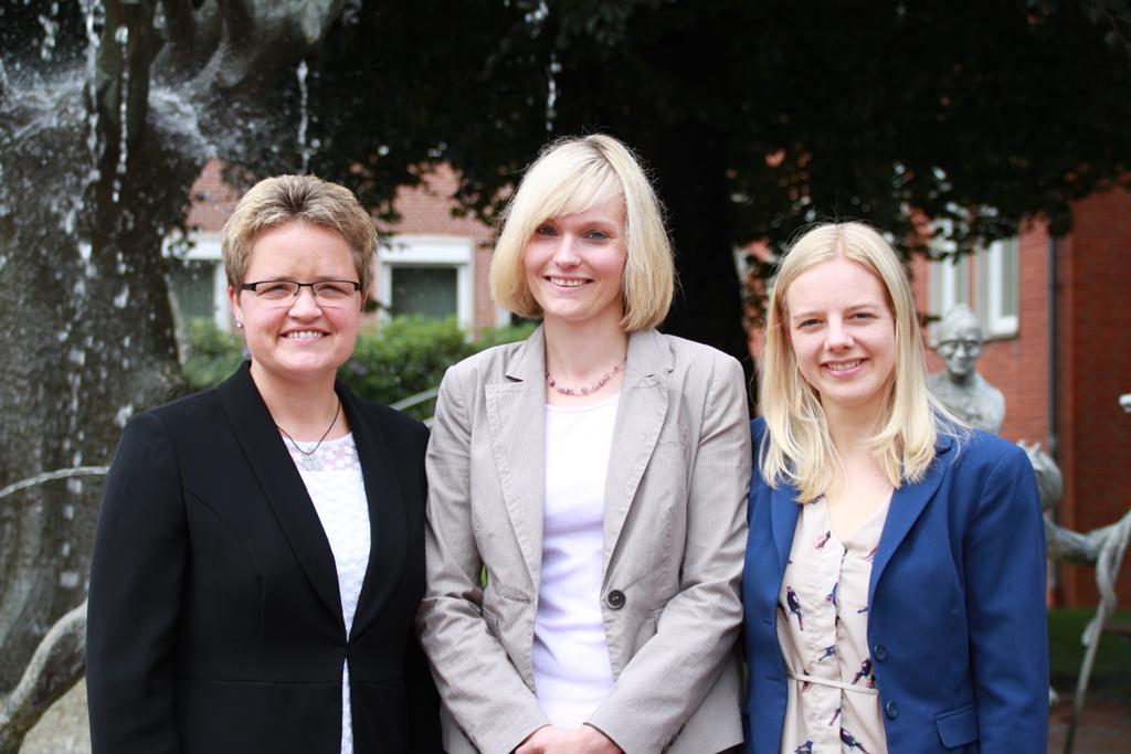 Die Schneverdinger Standesbeamtinnen Andrea Walter, Svenja Allermann und Annabell Worthmann (v. li.)
