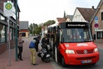 Ein zum Bürgerbus umgebauter VW Transporter