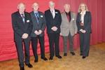 V. l.: Helmut Schröder, Rudolf Röhrs, Claus-Dieter Fach, Wilhelm Inselmann und Bürgermeisterin Meike Moog-Steffens